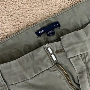GAP Pants - Capri chino pants